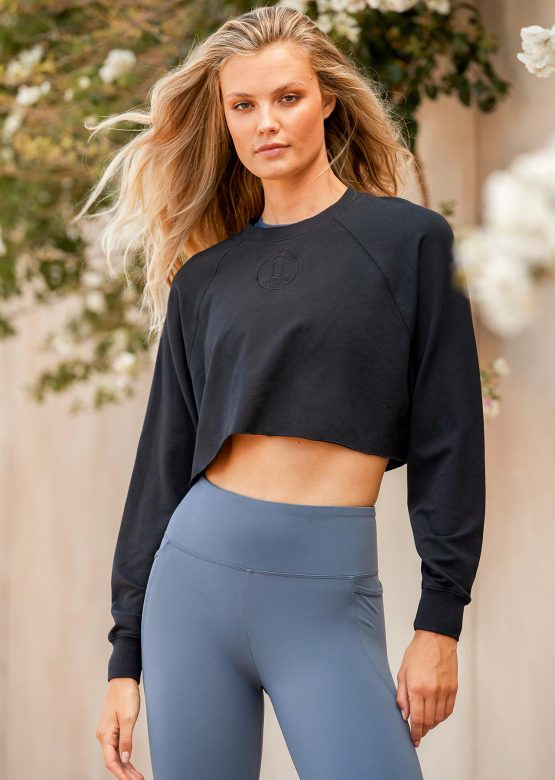 Cool Girl Cropped Long Sleeve Top